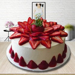 Delectable 2 Kg Strawberry Cake