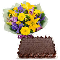 Garnished Chocos Cake with Mixed Flower Hand Bunch
