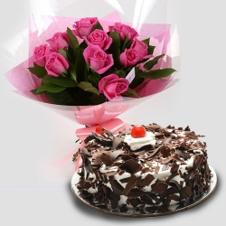 Lip-Smacking Cake with Roses
