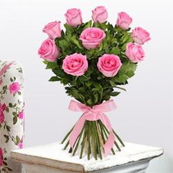 Sweet Treasure Rose Bouquet to Fraser Town PO