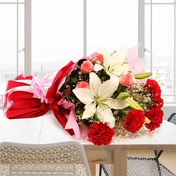 Enthralling Bouquet of Admirable Flowers