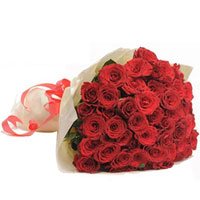 Exquisite Red Roses Bunch