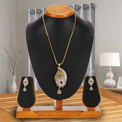 Priceless Mesmerize Pendent and Earrings Set