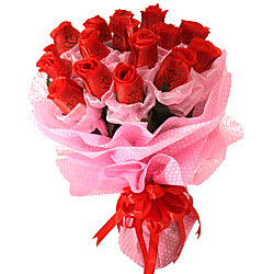 Exotic Appealing Charm of 15 Ever Lasting Red Roses