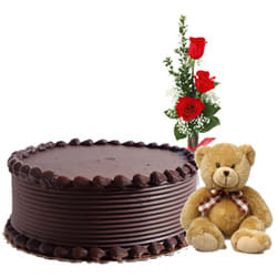 Send Online Chocolate Cake with Red Roses N Teddy