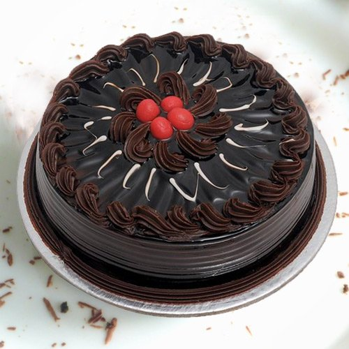 Lip-Smacking 1 Lb Chocolate Truffle Cake from 3/4 Star Bakery