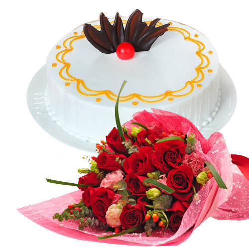 Order Online Red Roses Bunch with Vanilla Cake