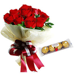 Expressive Bouquet of Red Roses with Ferrero Rocher