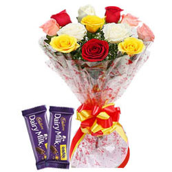 Color-Coordinated Mixed Roses Bouquet with Dairy Milk Crackle