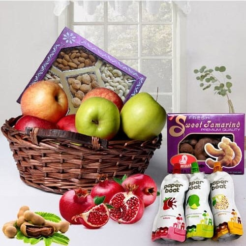 Fresh Fruits N Dry Fruit Hamper for Mummy