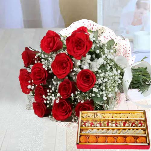 Exotic Crazy in Love Red Roses Bunch and Sweets