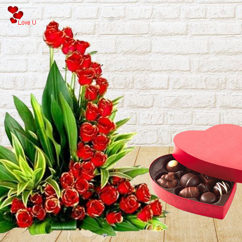 Shop Online Heart Shape Chocolate Box with Red Roses Bunch