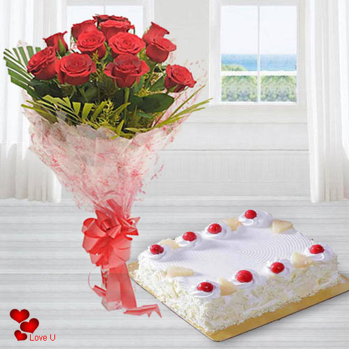 Gift Online Red Roses Bouquet with Eggless Cake