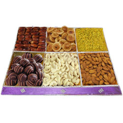 Extravagant Diet Dry Fruit and Chocolate Cluster
