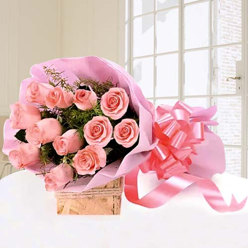 Impressive Bouquet Decked with Pink Roses