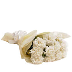 Lovely Pure Gratitude White Carnations Bouquet