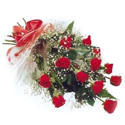 Sophisticated Dreams From Heart 12 Red Roses Bouquet