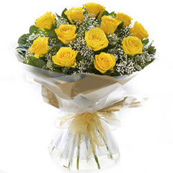 Rich Thanksgiving Yellow Roses Bundle