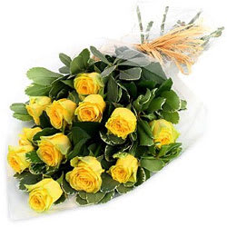 Artful Serenity of Love Yellow Roses Bunch