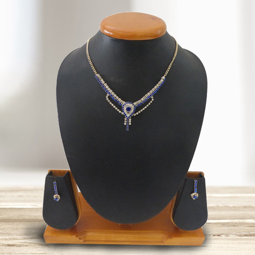 Pretty N Sleek Designed Blue and White Stone Studded Necklace Set