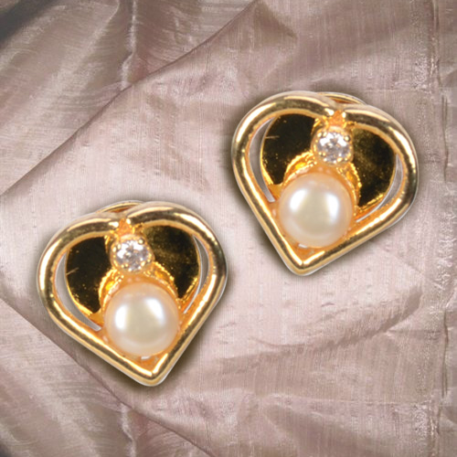 Dazzling Heart Shaped Pearl and American Diamond Pair of Earrings