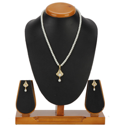 Ravishing Bell Shaped Pearl Necklace Set