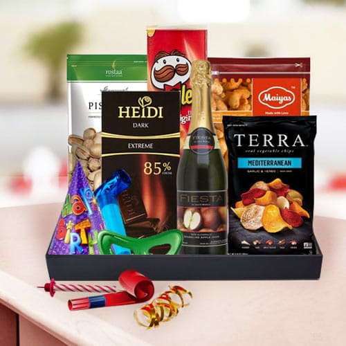 Scrumptious Birthday Selection Hamper of Nuts  N  Chips<br>
