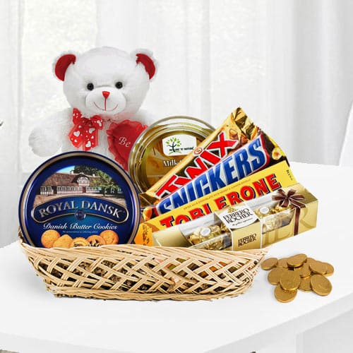 Classic Choco Lovers Gift Basket<br>